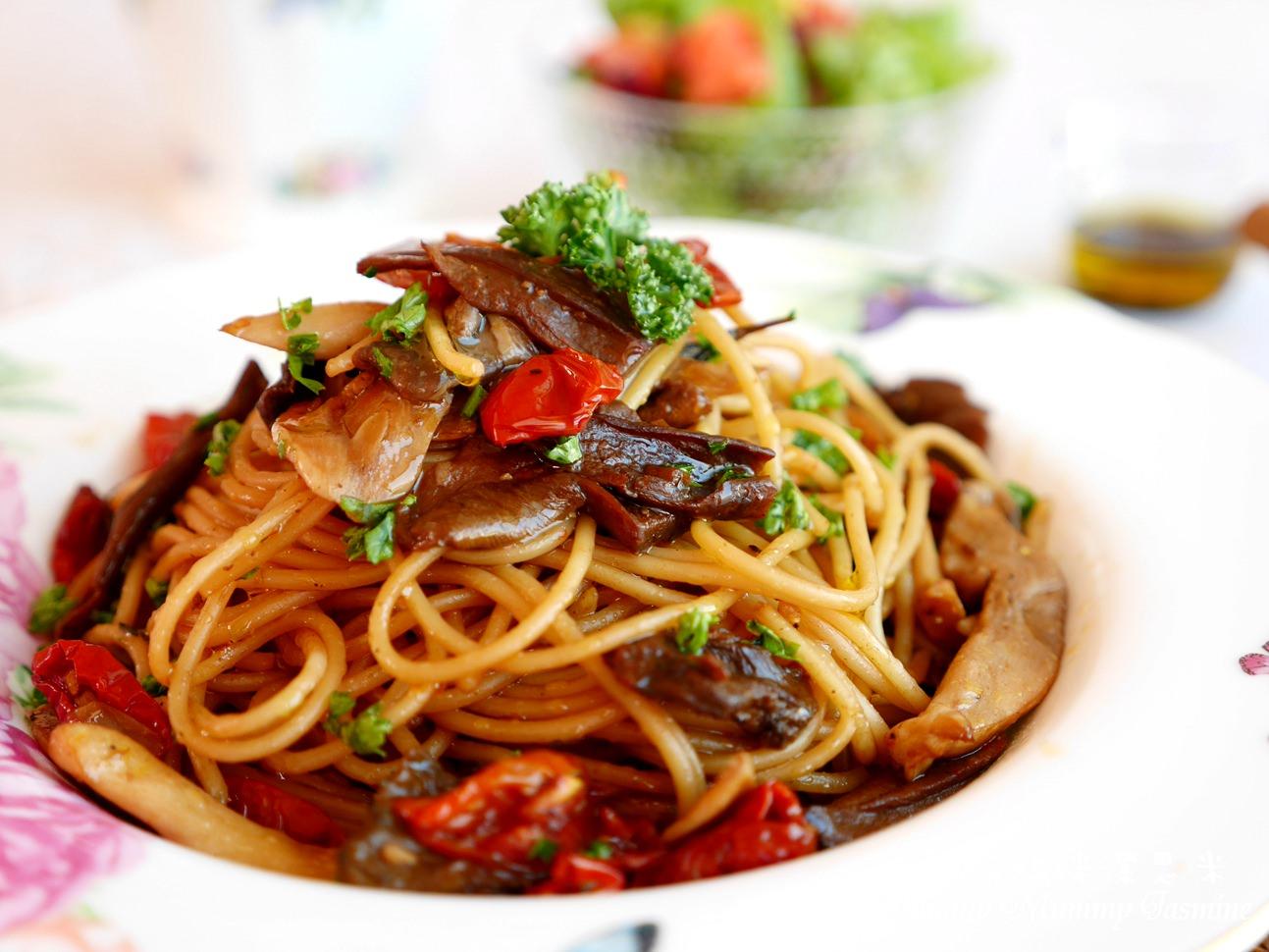 🌺牛肝菌菇油漬番茄義大利麵🌺來自澳洲第一品牌Cobram平價新鮮初榨橄欖油