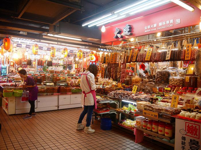 過年辦年貨。年菜記得來❤南門市場❤逛透透!